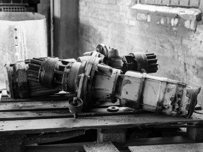 broken-industrial-items-1513205_1920